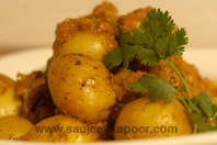Baby Potatoes In Spicy Yogurt Gravy