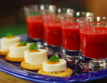 Biscuit Bites With Beetroot And Carrot Shots