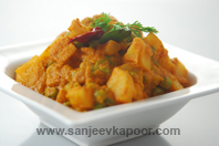 Green Peas And Potato Curry