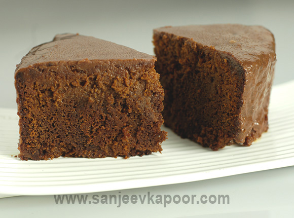 How To Make Chocolate Cake In Microwave By Sanjeev Kapoor