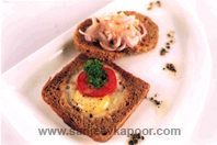 Quick Fried Egg With Brown Bread