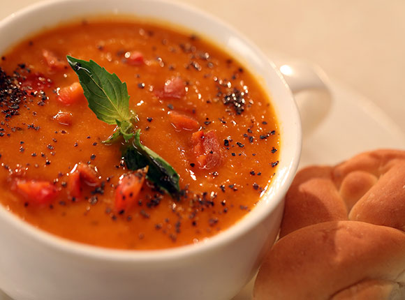 Roasted Bell Pepper and Tomato Soup-SK Khazana
