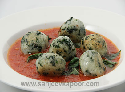 Spinach Gnocchi with Tomatoes