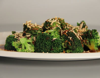 steamed broccoli with three seeds