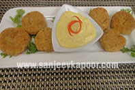 Coconut Crab Cakes with Garlic Mayo