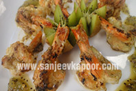 Grilled Prawns with Burnt Kiwi Chutney